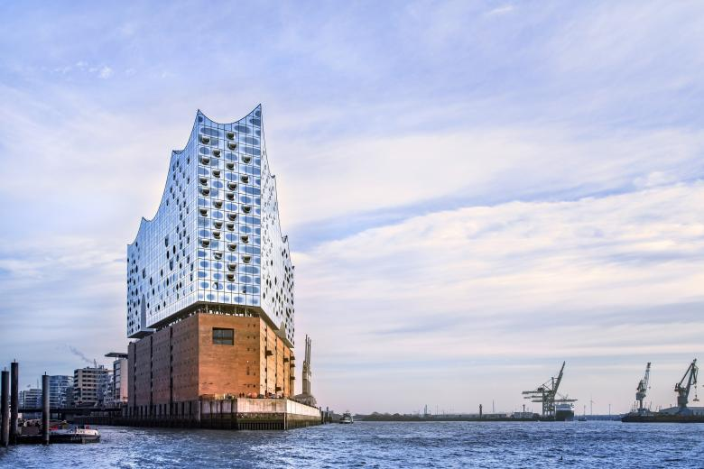 The Elbphilharmonie in Hamburg by Herzog et de Meuron. © Thies Rätzke