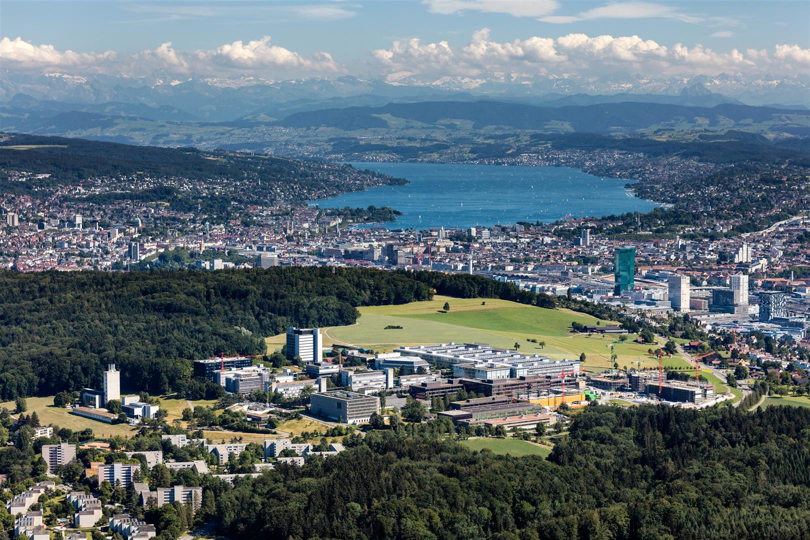 The Hönggerberg campus was built in 1961 to further develop ETH Zurich. © ETH Zurich/Marco Carocari